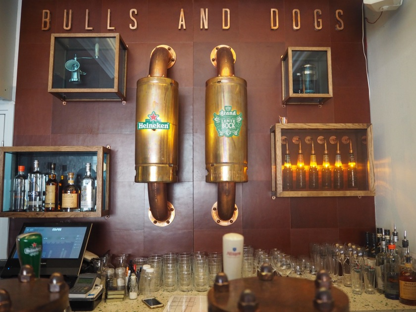 Bulls and Dogs Hotdogbar