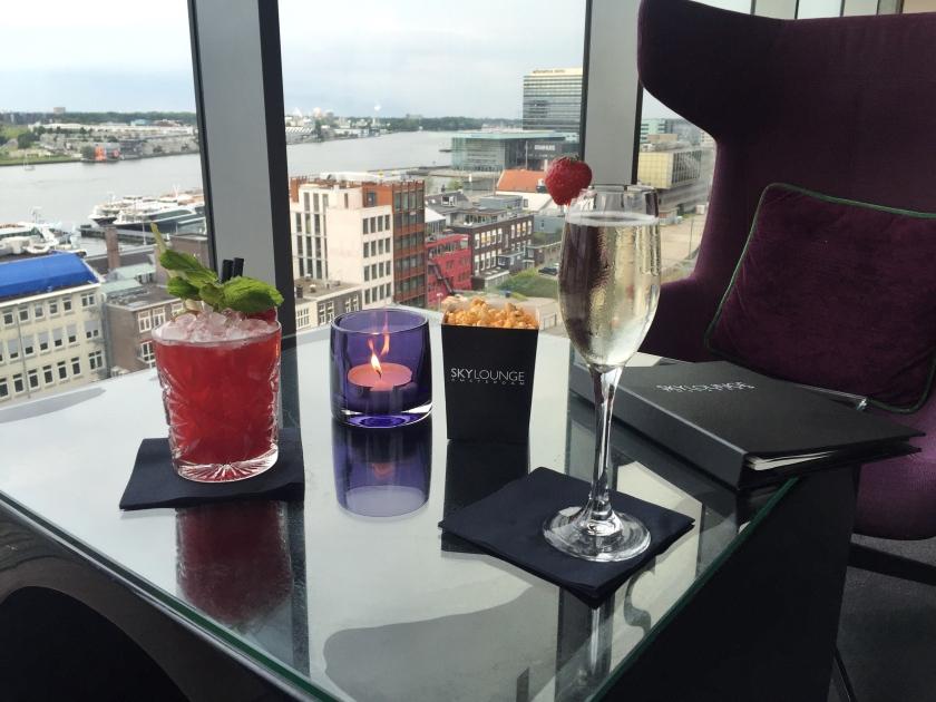 SkyLounge Doubletree by Hilton